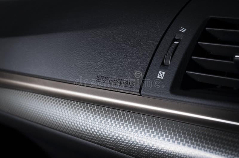Tablero de instrumentos moderno del coche imagen de archivo libre de regalías