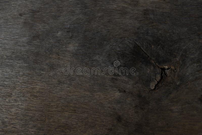 Tablero de madera del roble con marrón oscuro Textura granulosa de madera del árbol de almendra imagenes de archivo