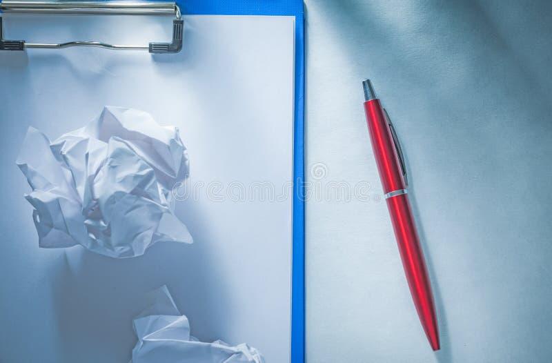 Tablero de papel estrellado del espacio en blanco del bolígrafo fotos de archivo libres de regalías