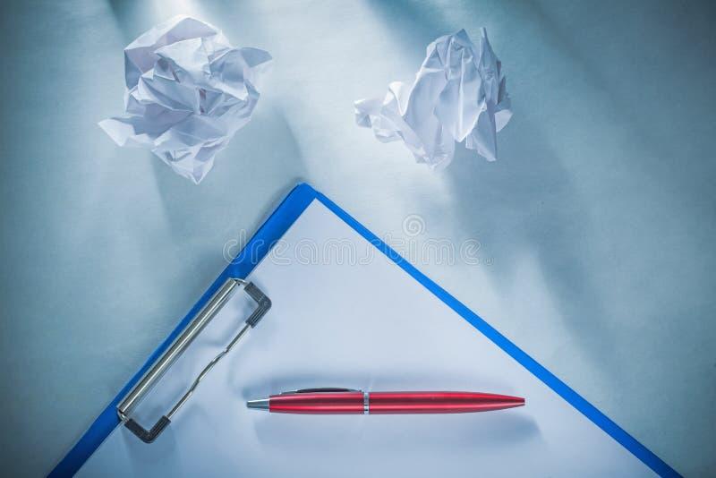 Tablero de papel estrellado de la hoja en blanco del bolígrafo imagen de archivo
