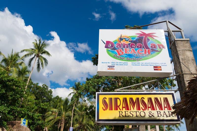 Tablero filipino de la muestra del centro turístico fotos de archivo libres de regalías