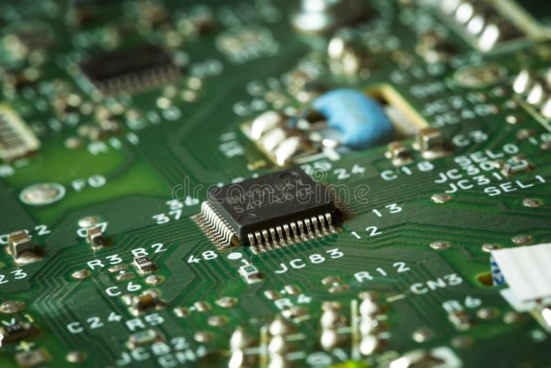 Tablero verde obsoleto del ordenador, detalle de la tecnología fotografía de archivo
