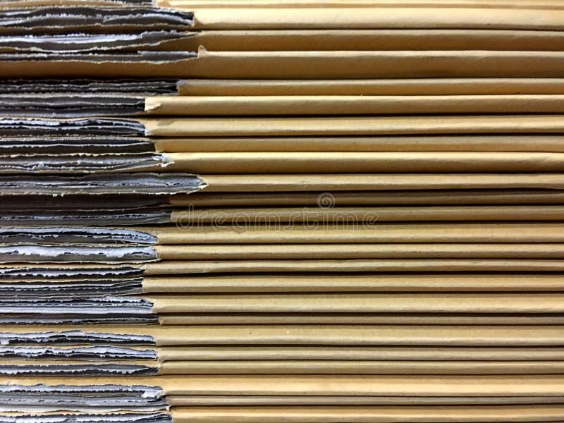 Tableros de tarjeta apilados de la caja del cartón fotos de archivo
