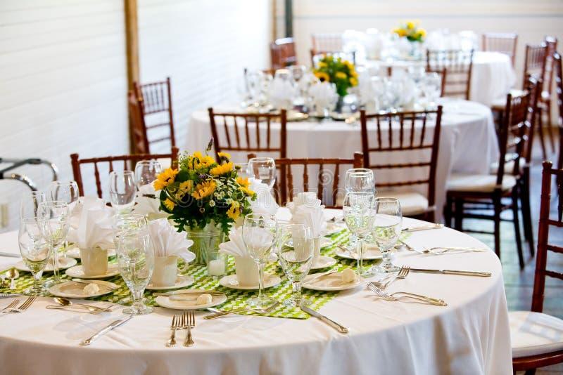 Tables de mariage image libre de droits