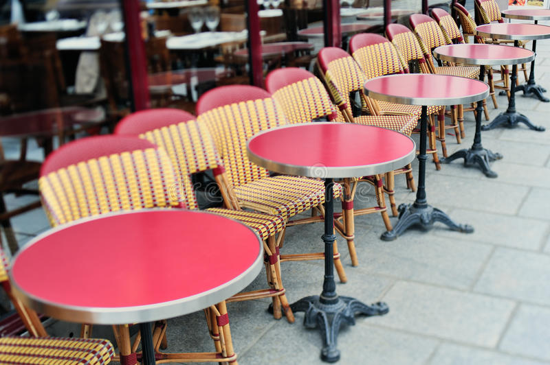 Tables rouges photos stock