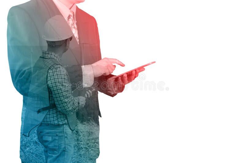 Tablet pc sem fio de Digitas do uso asiático do homem de negócios imagem de stock royalty free
