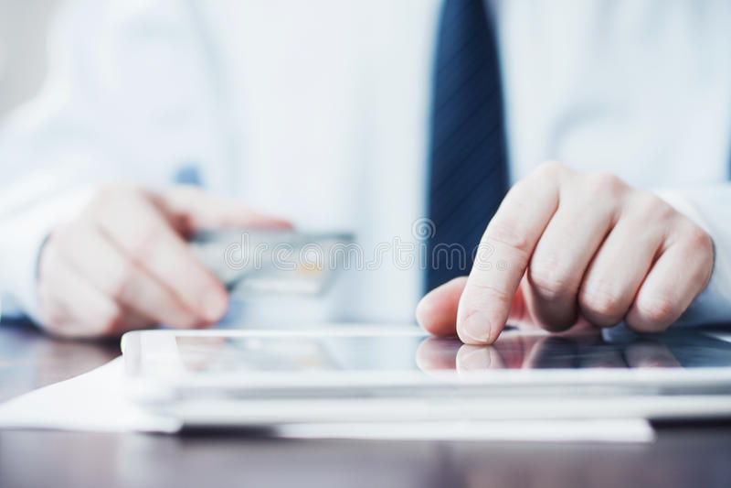 Tablet-Zahlungen stockfoto