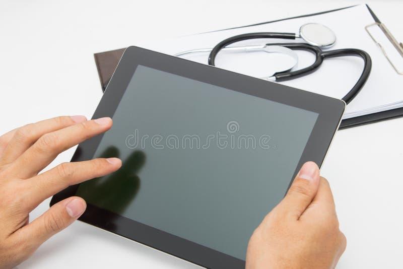 Tableta del doctor médica fotos de archivo libres de regalías