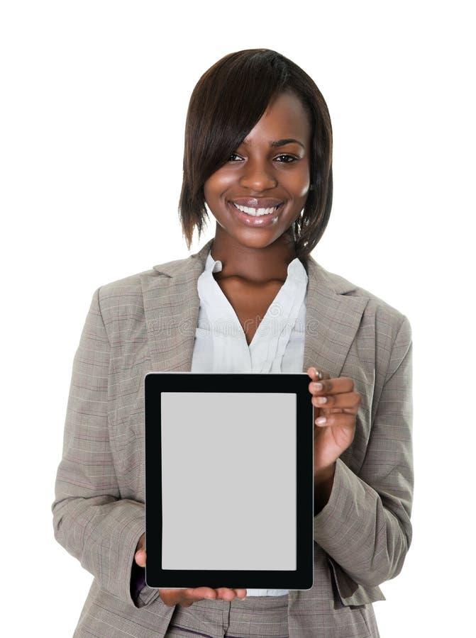 Tablette de affichage exécutive femelle confiante photos libres de droits