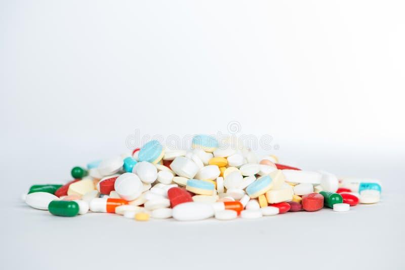 Tablette et capsule de médecine images libres de droits