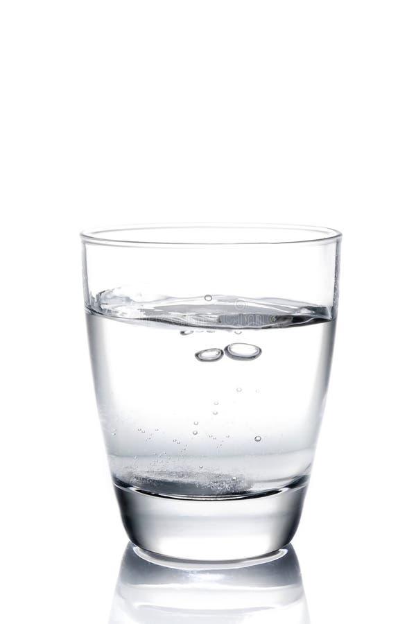 Tablette fiel in das Wasser lizenzfreie stockfotografie