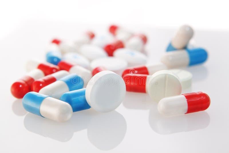 Tabletten und Kapseln. lizenzfreie stockfotografie