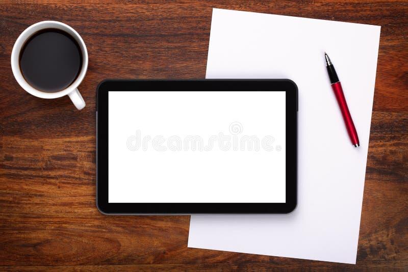 Tablilla digital en blanco en el escritorio