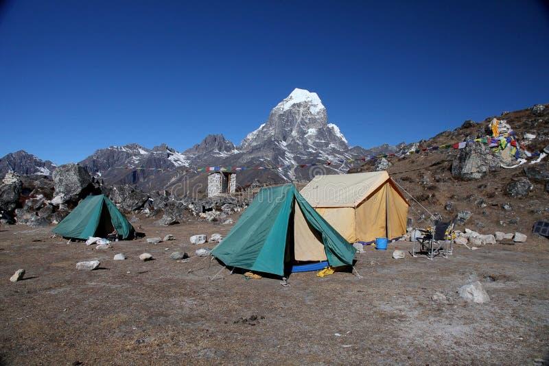 Taboche piek (6,367m) Nepal stock foto's