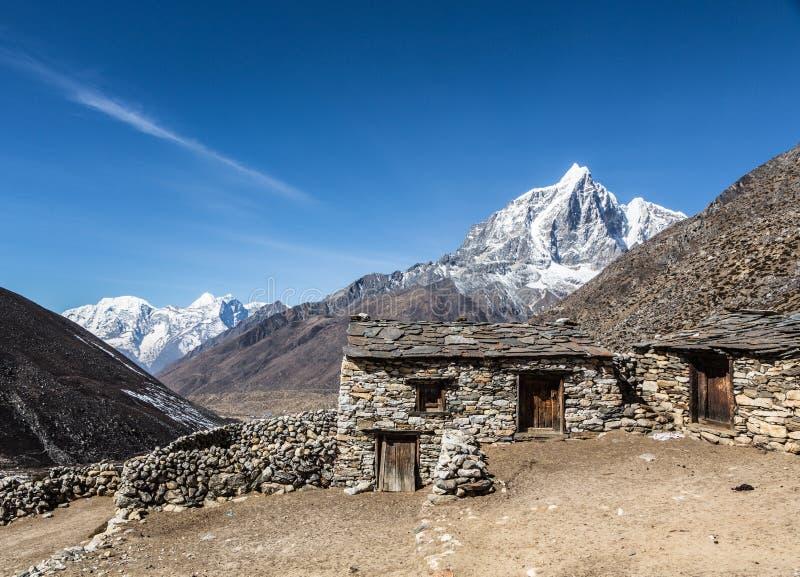 Taboche-piek 6367m in Nepal stock afbeeldingen