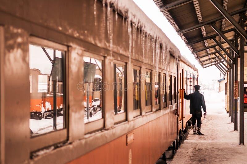Taborowy dyrygent klasyczny stary potbelly kuchenki pociąg, Tsugaru raja zdjęcia royalty free