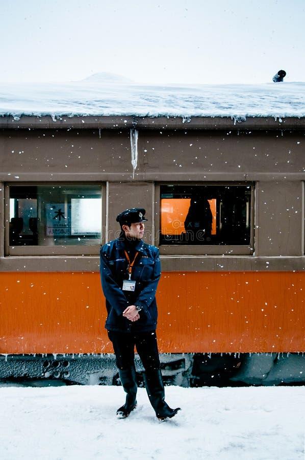 Taborowy dyrygent klasyczny stary potbelly kuchenki pociąg, Tsugaru raja fotografia stock