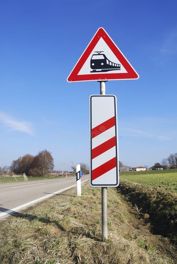 Równy skrzyżowanie znaka zdjęcie stock
