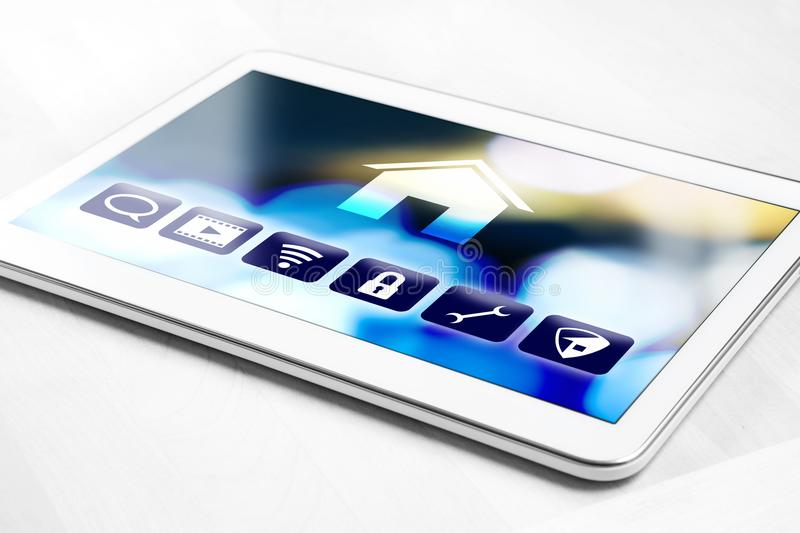 Tabuleta com sistema de controlo home esperto para dispositivos da casa fotografia de stock