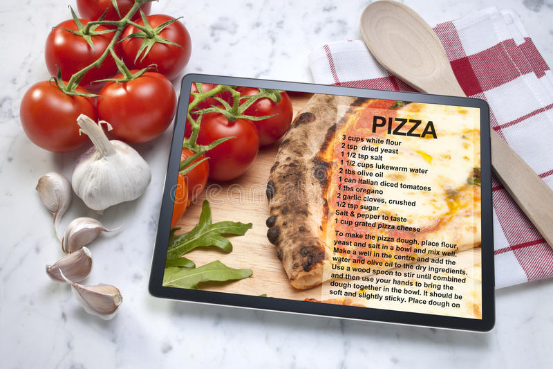 Tabuleta da receita da pizza imagens de stock royalty free