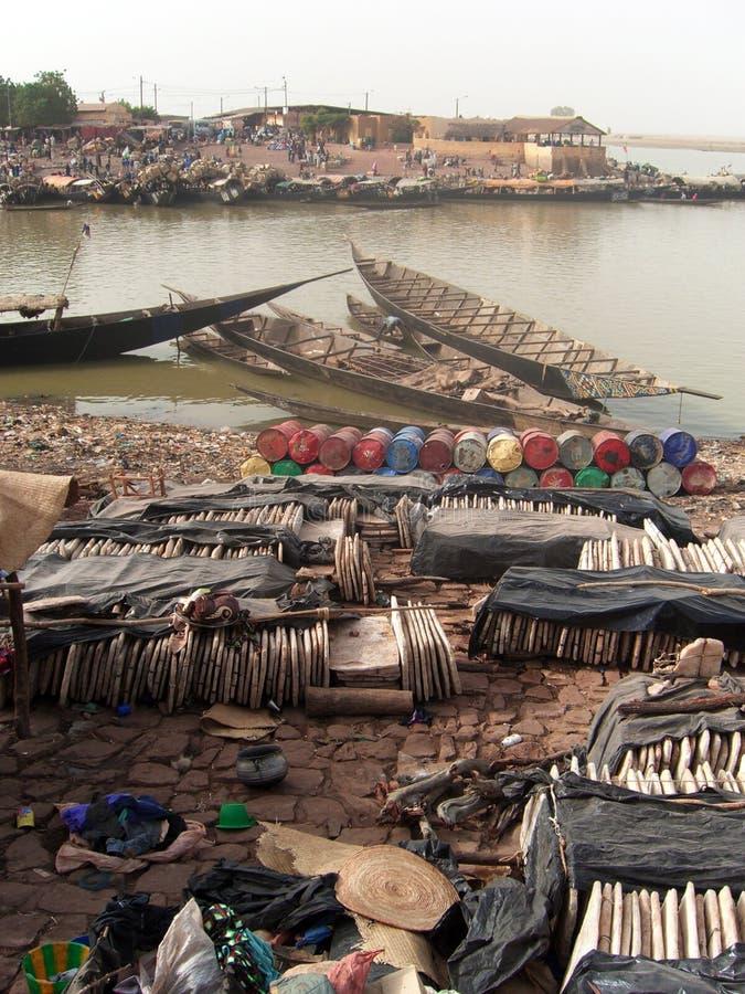 Tabuletas de sal empilhadas em África ocidental fotos de stock