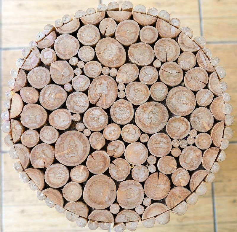 taburete de madera del registro foto de archivo