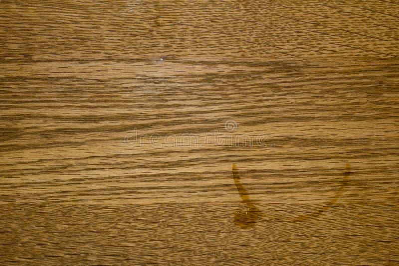 Tache de café sur le bois photo libre de droits