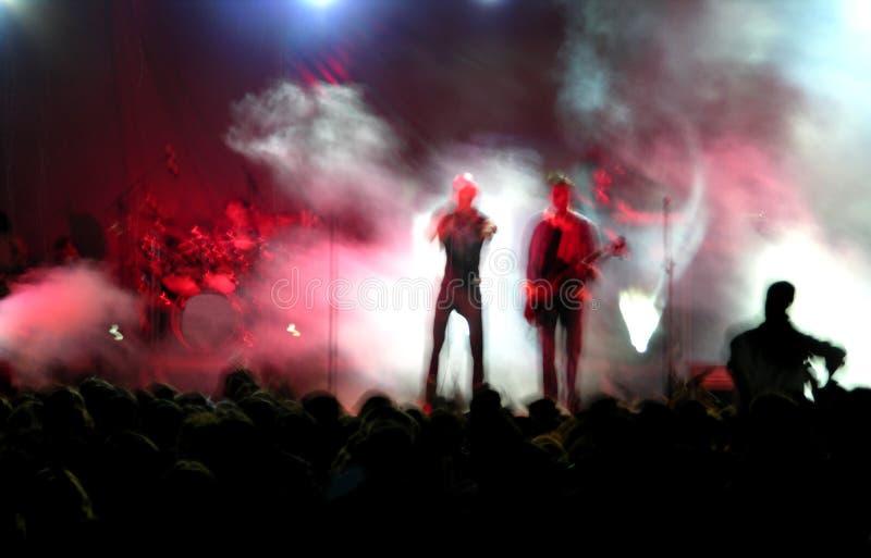 Tache floue d'un concert de rock image libre de droits
