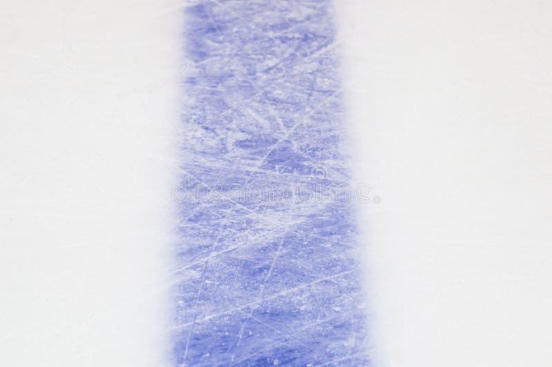 Taches bleues plan rapproché, fond de piste de hockey sur glace de sport d'hiver image stock