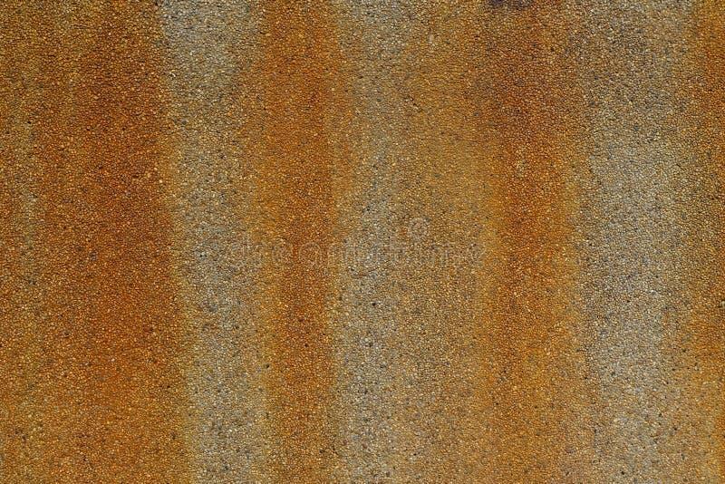 Taches de rouille sur le mur en pierre image libre de droits
