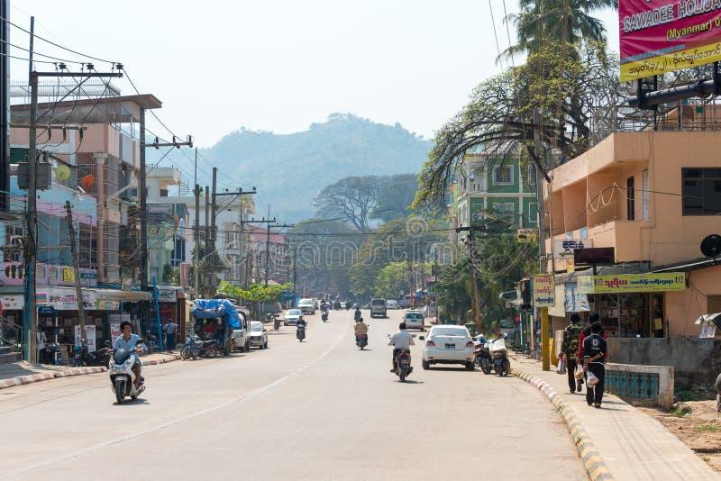 Tachileik, Мьянма - 26-ое февраля 2015: Взгляд городка Tachileik К стоковые фотографии rf