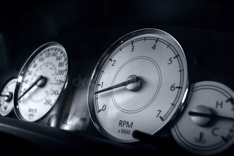 Tachymètre classique de voiture, photo en gros plan photographie stock libre de droits
