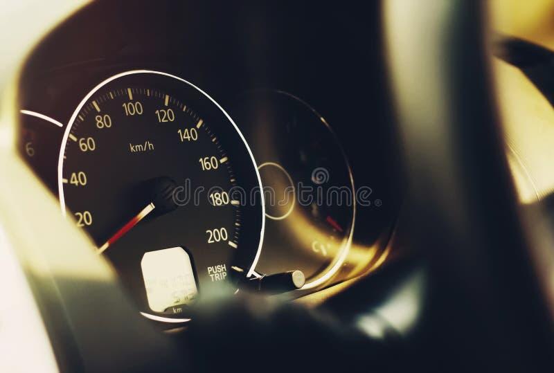 Tachymètre de tableau de bord de voiture image stock