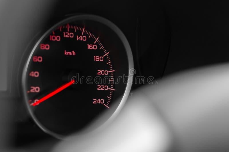 Tachymètre de voiture moderne, photo de plan rapproché image stock