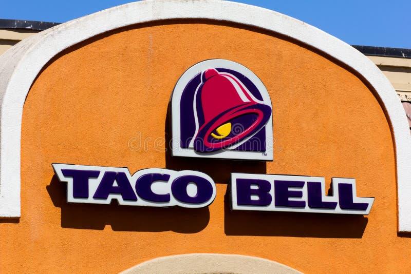 Taco Bell-Restaurantbuitenkant stock foto's