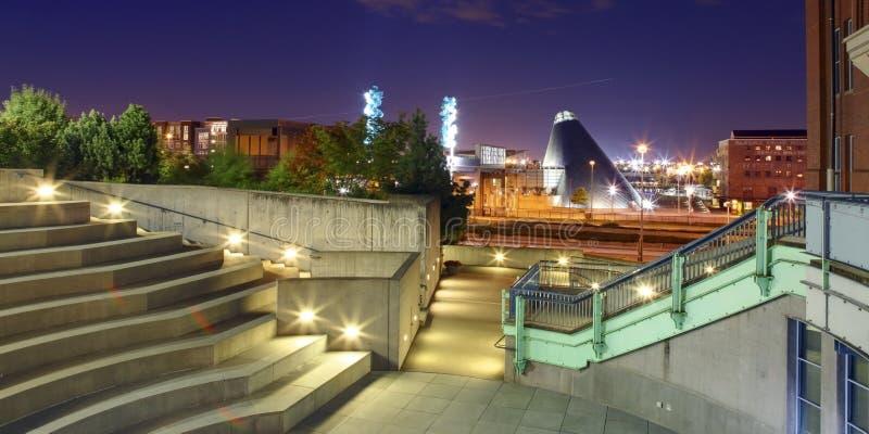 Tacoma-Stadt im Stadtzentrum gelegen mit Museum des Glases und der Geschichte stockfotografie