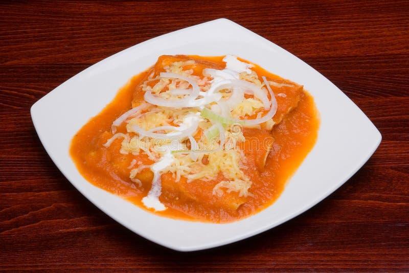 Tacos con salsa rossa fotografia stock