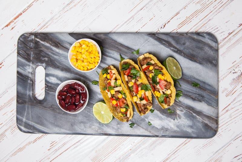 Tacos délicieux avec du boeuf image libre de droits