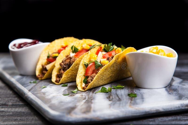 Tacos délicieux de boeuf images libres de droits