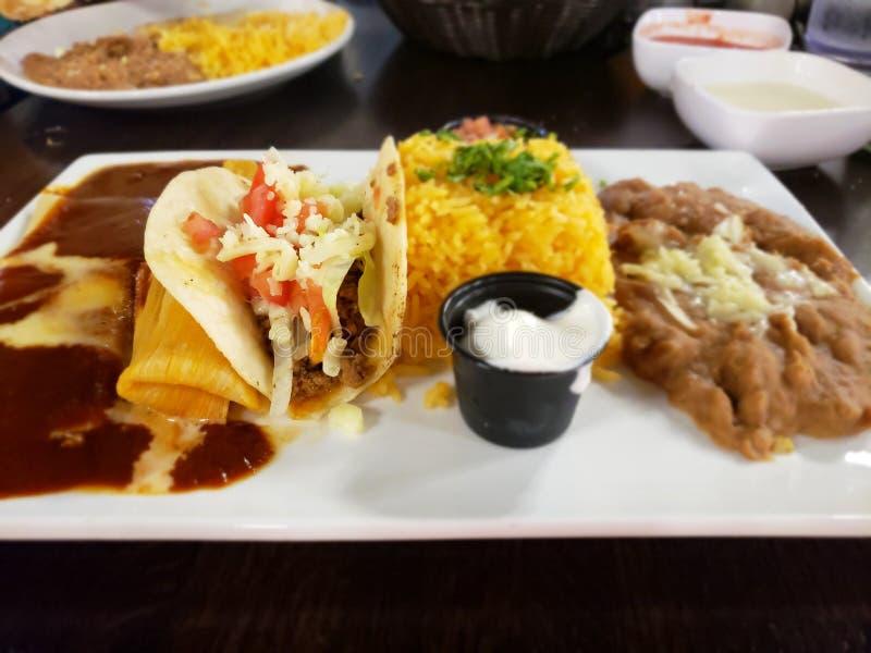 Tacos de fantaisie et nourriture mexicaine images libres de droits
