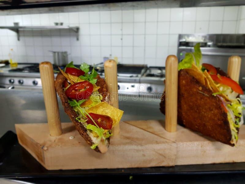 Tacos de galinha de Nacket imagem de stock
