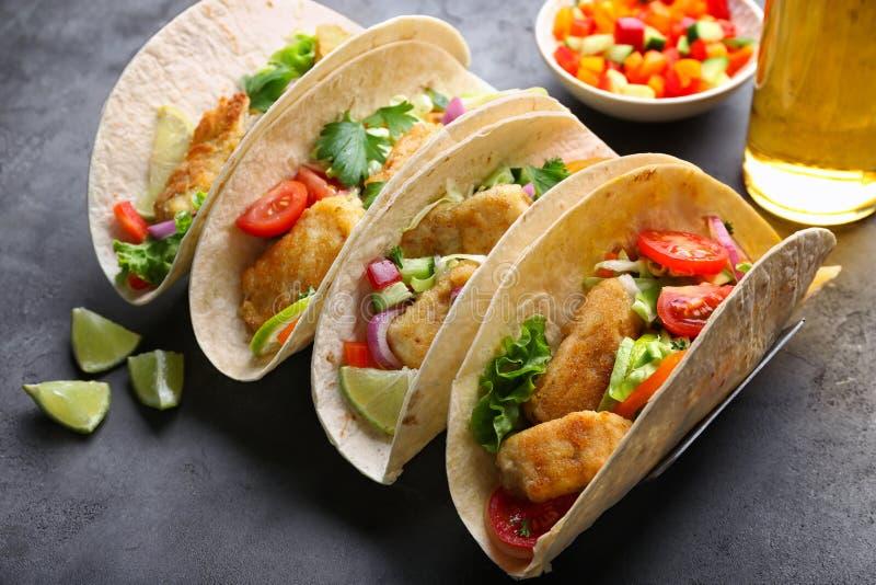 Tacos de poissons savoureux photos stock