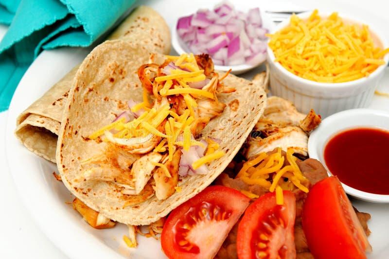 Tacos de poulet épicé photographie stock
