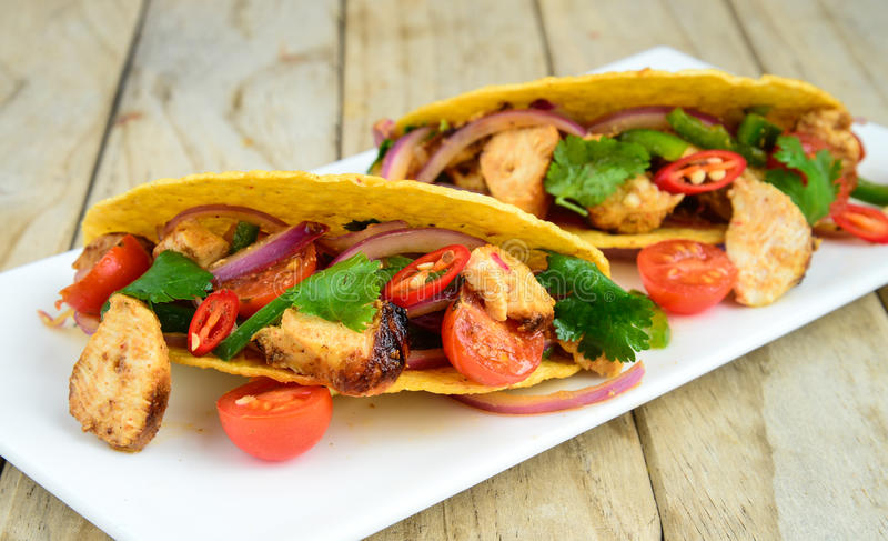 Tacos de poulet image stock