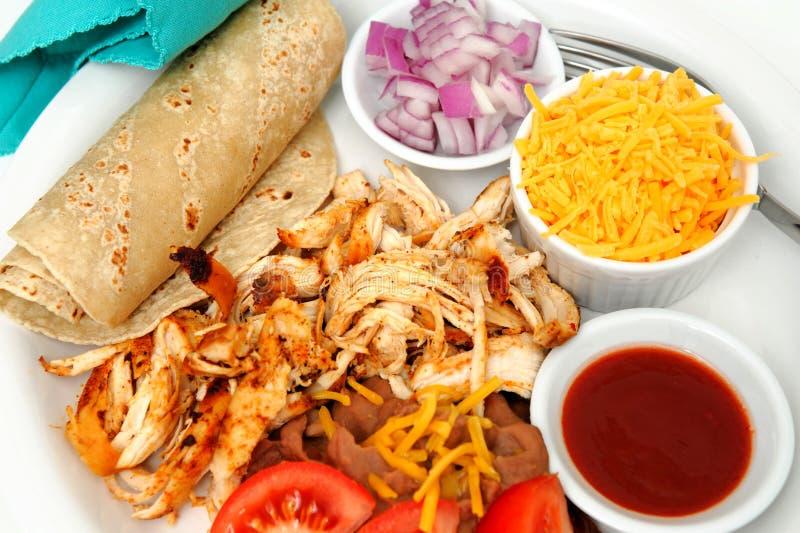 Tacos de poulet et haricots de Refried image libre de droits
