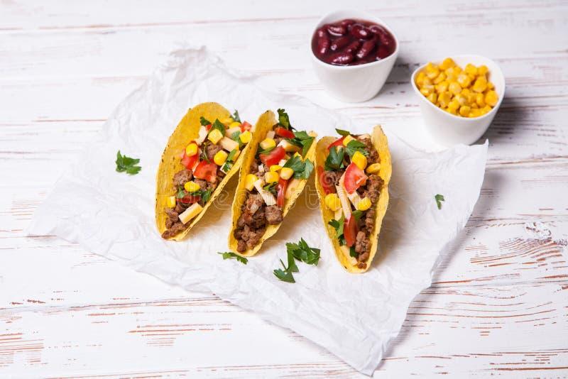Tacos deliciosos de la carne de vaca imagenes de archivo