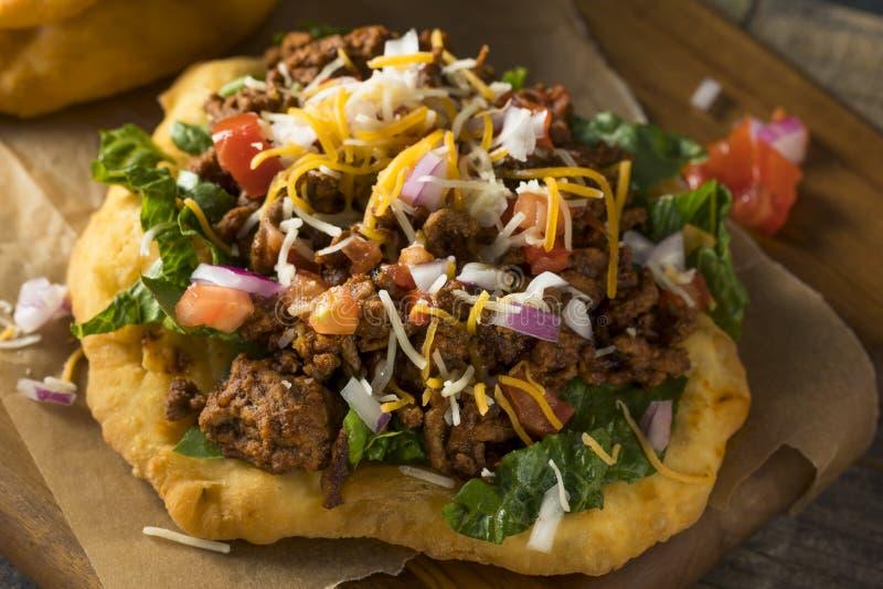 Tacos indien fait maison de pain de friture images stock