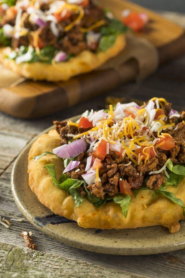 Tacos indien fait maison de pain de friture photo libre de droits