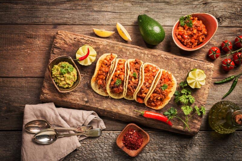 Tacos mexicain avec de la viande photos stock