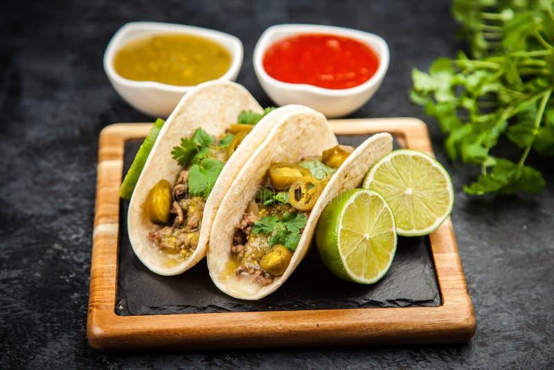 Tacos mexicain avec du boeuf photo libre de droits